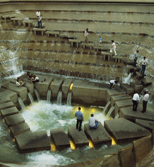 The Active Pool, la cascada de los Jardines del Agua de Fort Worth - Cascadas En Jardines