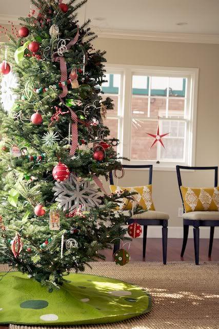 Bateman Buzz The Christmas Tree Dance Holiday Christmas Tree Christmas Christmas Tree