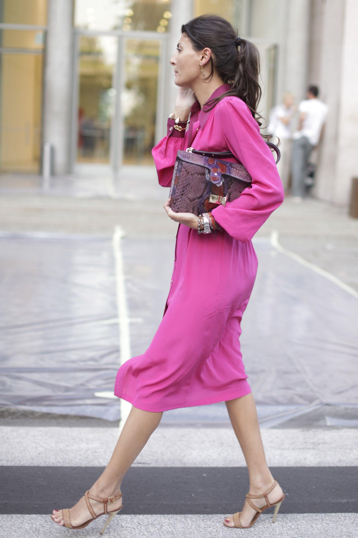 Giovanna Battaglia in pink dress Milan Fashion Week Street Style Mode Femme  Travail, Mode Printemps d4cdf90f00e5