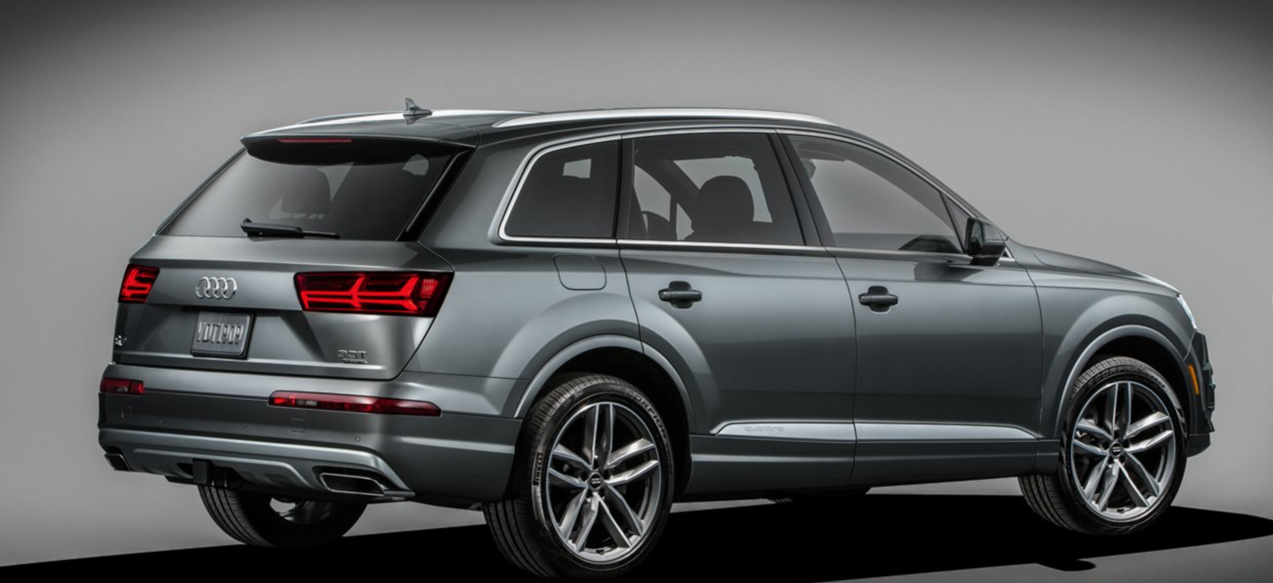 As Customer Preference Shifts From Large Suv S To Crossover Audi Delivers The 2017 Q7 After Several Years Of Innovative Designing
