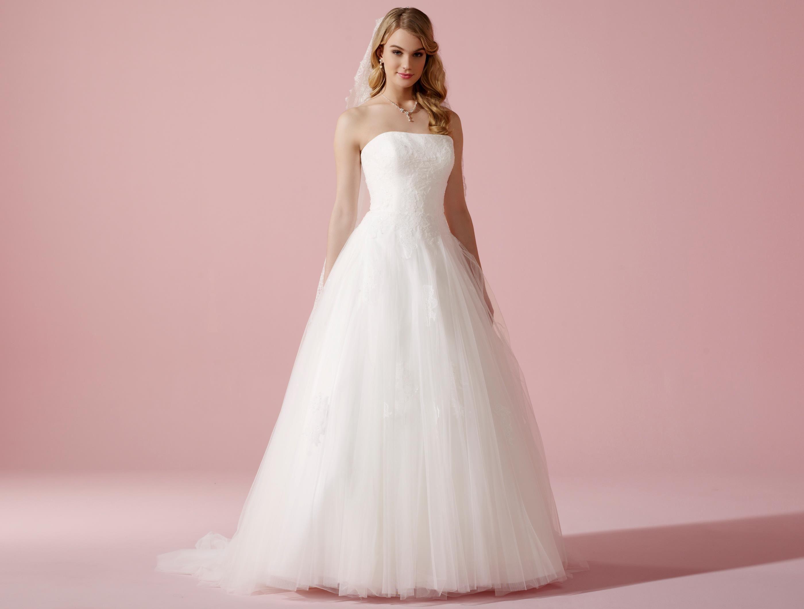 ba58ef97afe7 Brudklänning, Lilly.nu 08-3625-CR | Bröllop | Bröllop ...