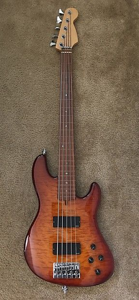 Warmoth Deluxe 5 string fretless jazz bass 2004 Honey Burst