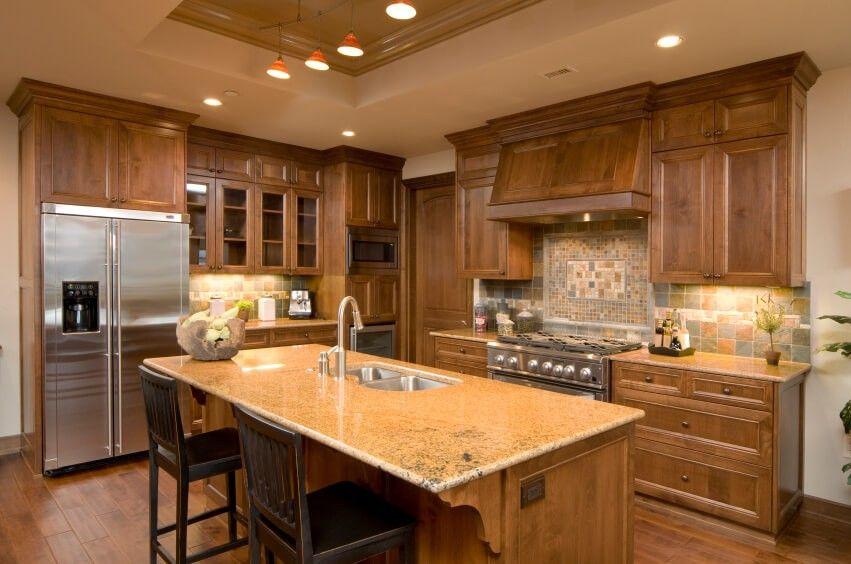 Diese schöne Handwerker-Küche verfügt über einen tiefen Schacht ...