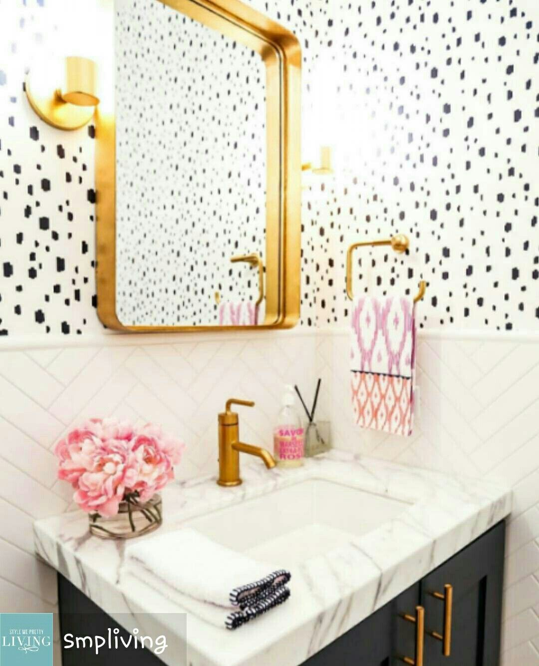 Khoda\'s Bathroom || Spots and bright colors and gold | Bathrooms ...