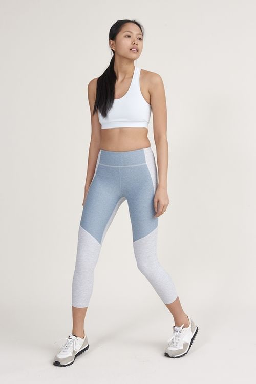 ade2ecee001d5 3/4 TWO TONE WARMUP LEGGINGS   OUTDOOR VOICES #pipeandrow   ACTIVE ...