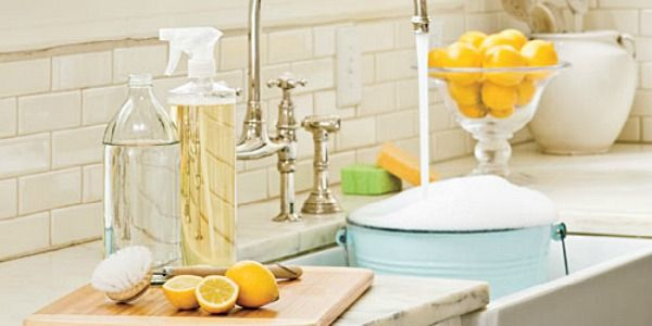 Need some great ideas on how to keep you house clean without those harsh chemicals? Try these 25 ways to clean with vinegar.