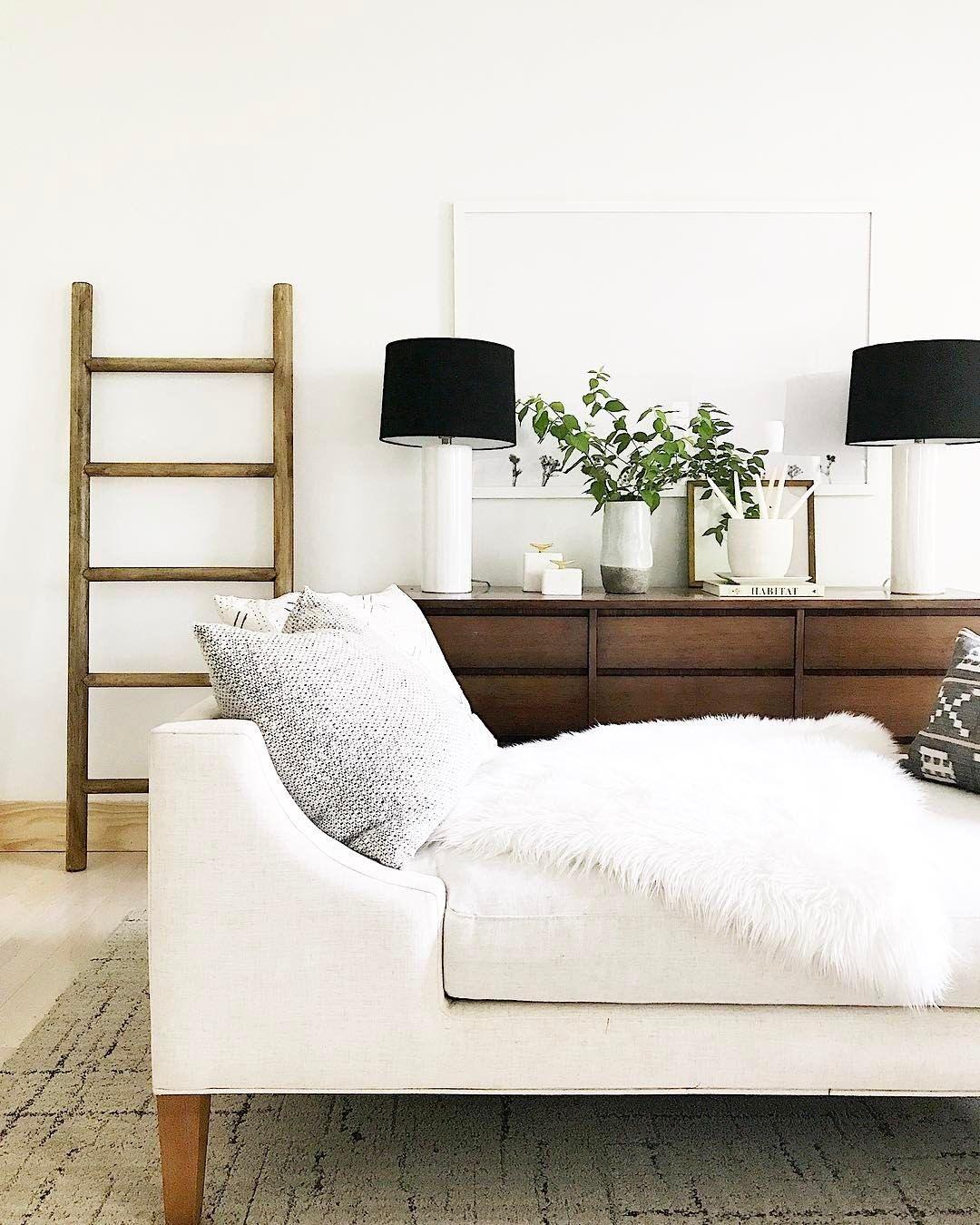 25 Minimalist Living Room Ideas & Inspiration That Won The Prepossessing Minimalist Living Room Decorating Design