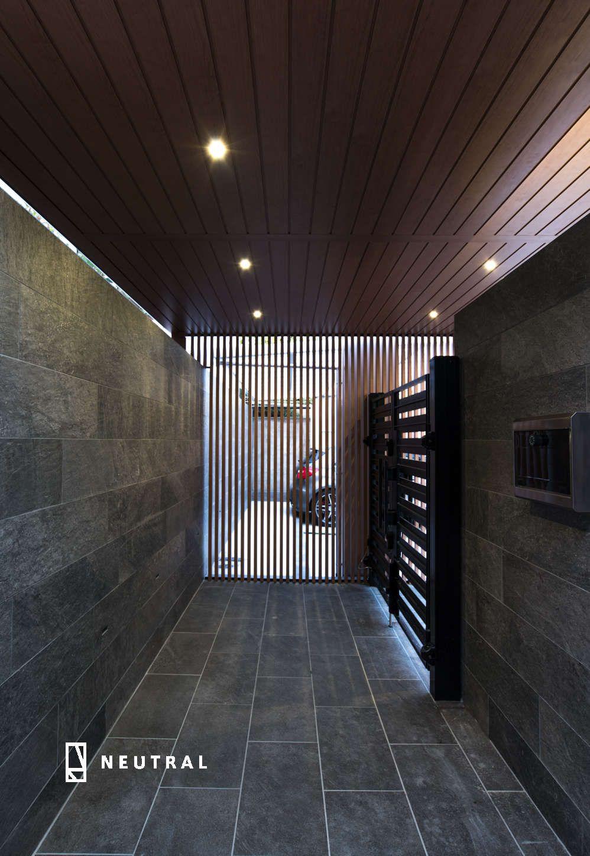 プラスgの天井材 家の玄関 モダンハウスデザイン アパートの玄関