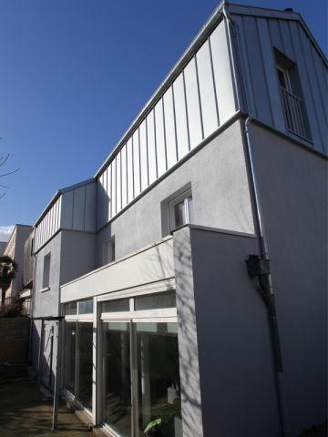 Avant Après  Une surélévation zinc transforme une maison rennaise