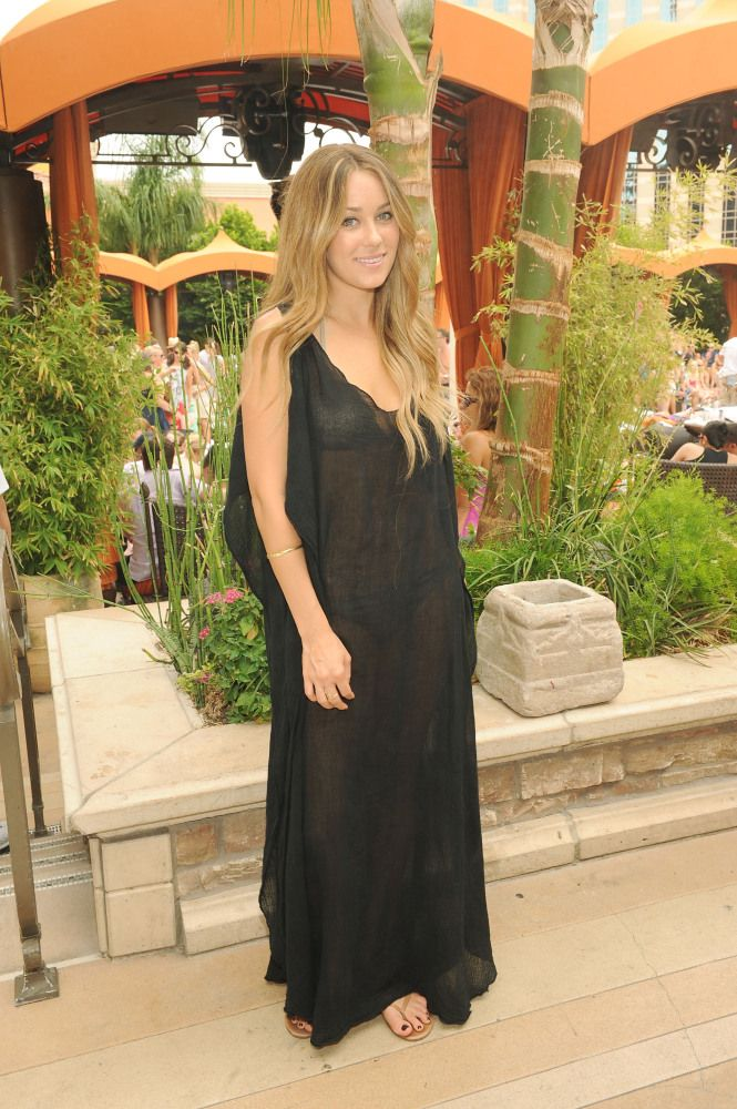 Jennifer Aniston's Nipples & More: 10 Biggest Wardrobe ...