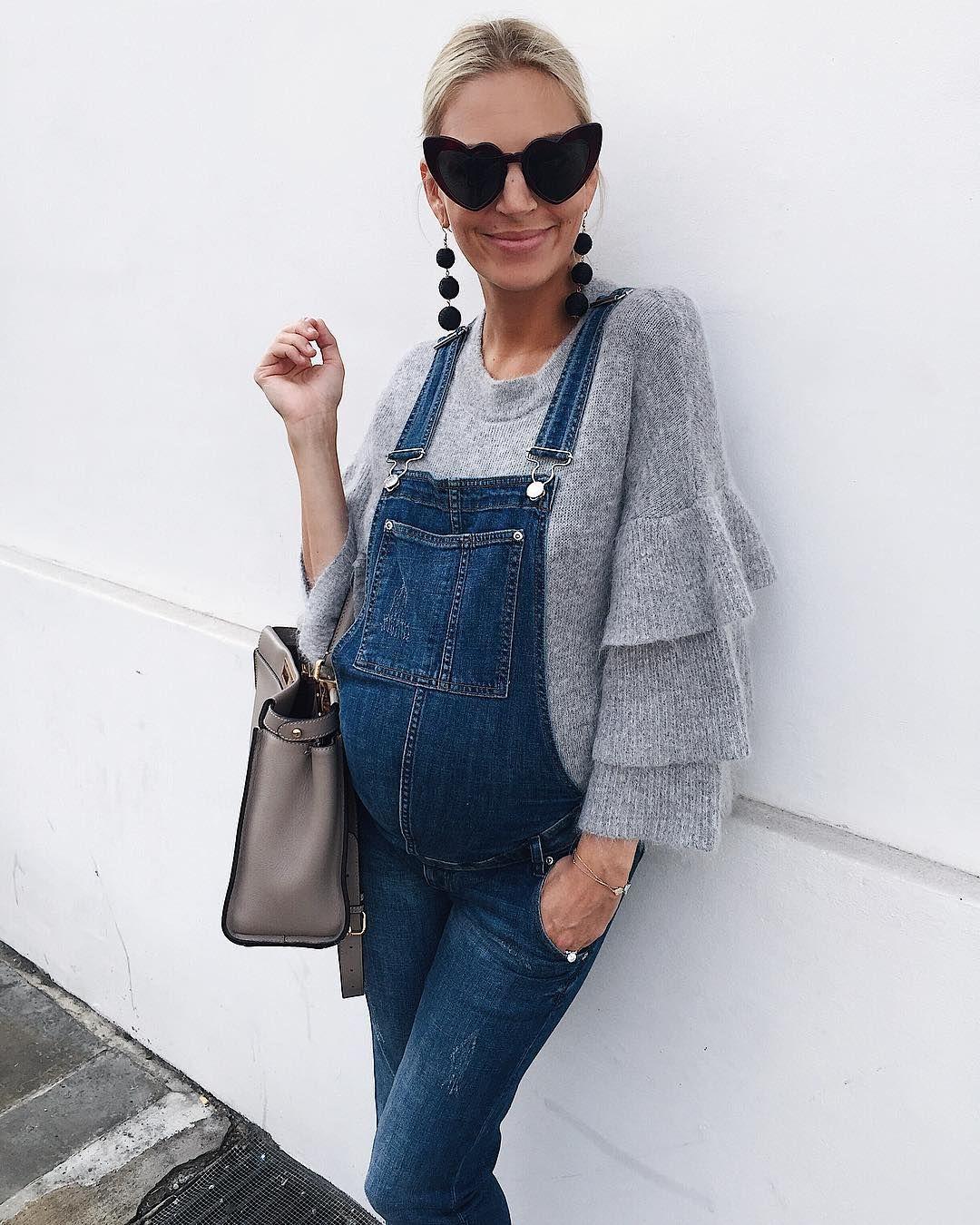 66d350b568 Gestante com macaco jeans . Moda para gestantes. Roupa para gestante e  gravida  gravidez  gravida mamae fash…