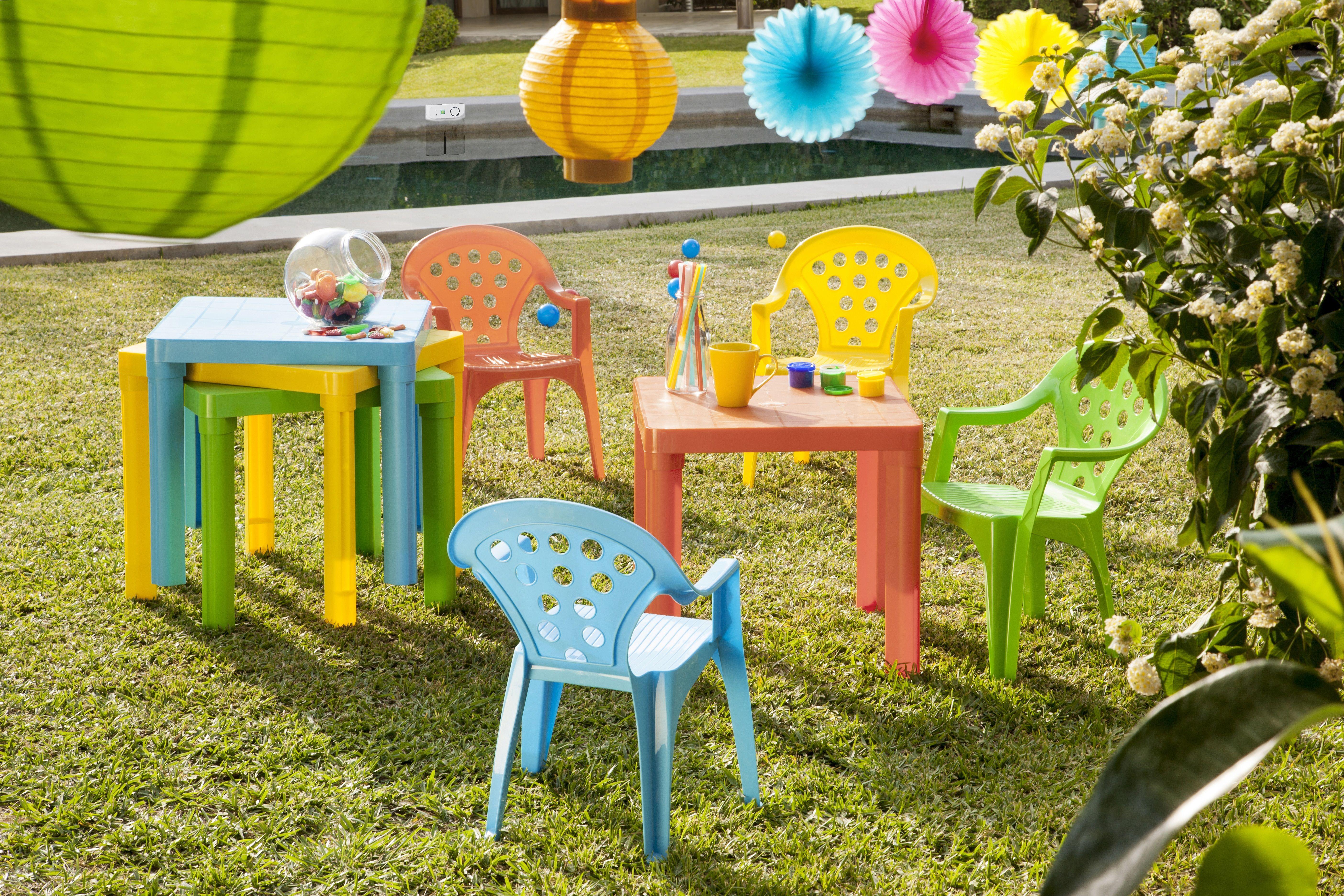 table et chaise de jardin pour enfant baby lulu. Black Bedroom Furniture Sets. Home Design Ideas