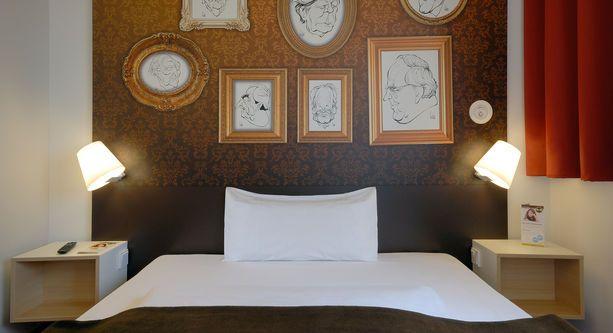 Guest room in B&B Hotel in Bonn.