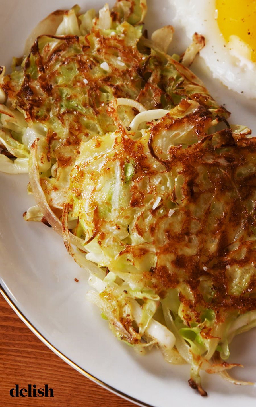 These Cabbage Hash Browns Could Fool Even The Biggies Potato Lover Recipe Hashbrown Recipes Veggie Dishes Cabbage Recipes