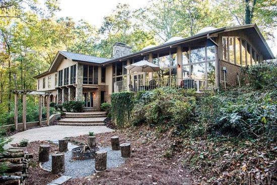 1034 25th Avenue Dr Nw Hickory Nc 28601 Mls 9591183 Zillow Waterfront Homes Sell Property Hickory