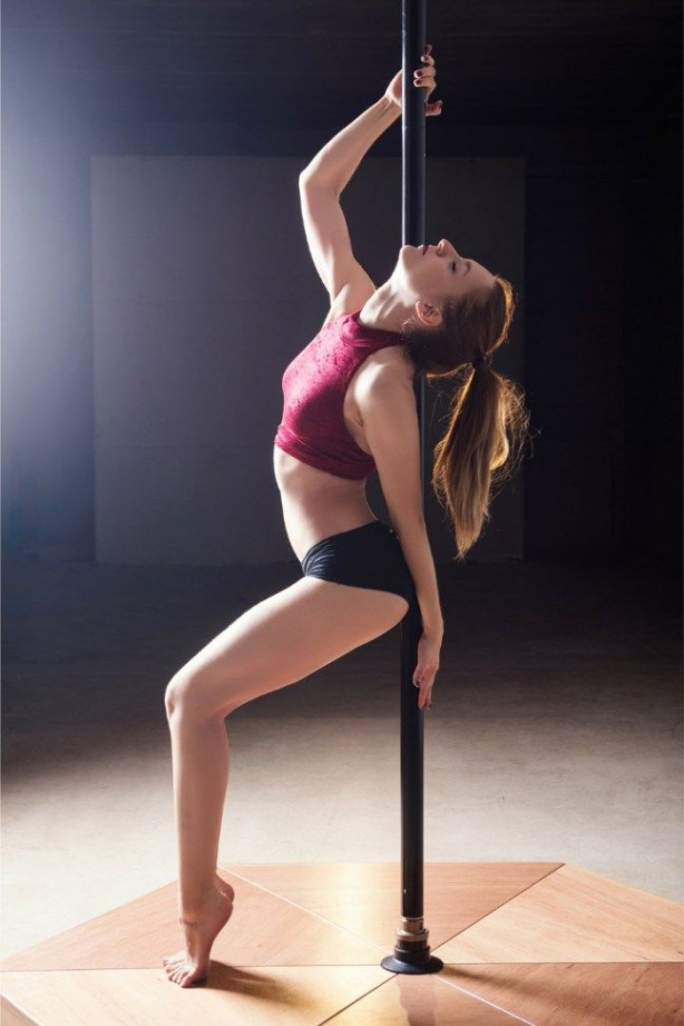 Pole dancers love photo shoots! It's a great way to show off your skills. Photographers equally love...