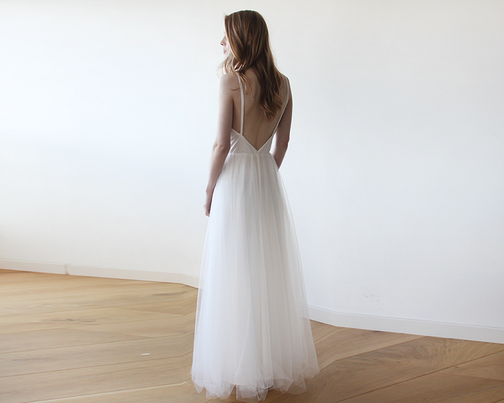Ivory Tulle Backless wedding dress | fabmood.com #weddingdress #wedding #weddinggown #lacesleeve #bridalgown