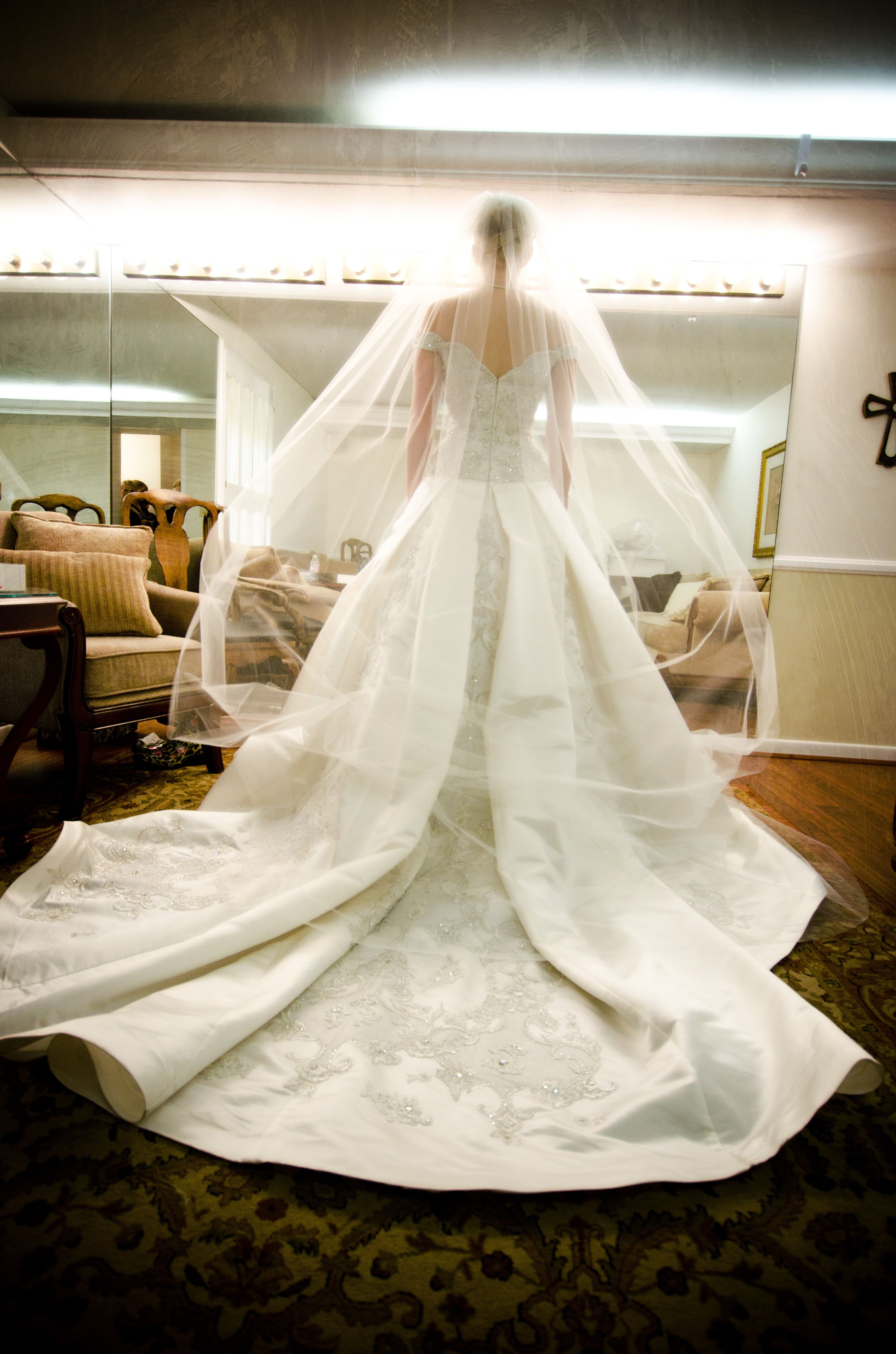 beauty in the bridal room  http://www.shirockphotos.com