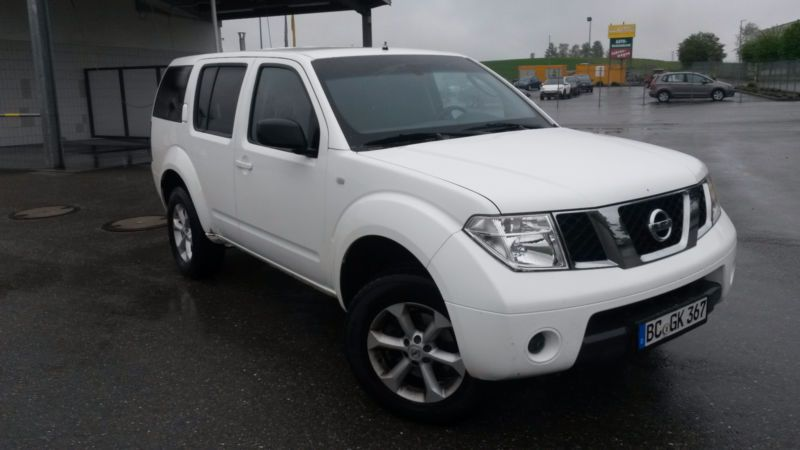 Nissan Pathfinder 2 5 Dci Le 7 Sitzer Ahk 3t As Off Road Vehicle Pickup Truck In Bad Schussenried
