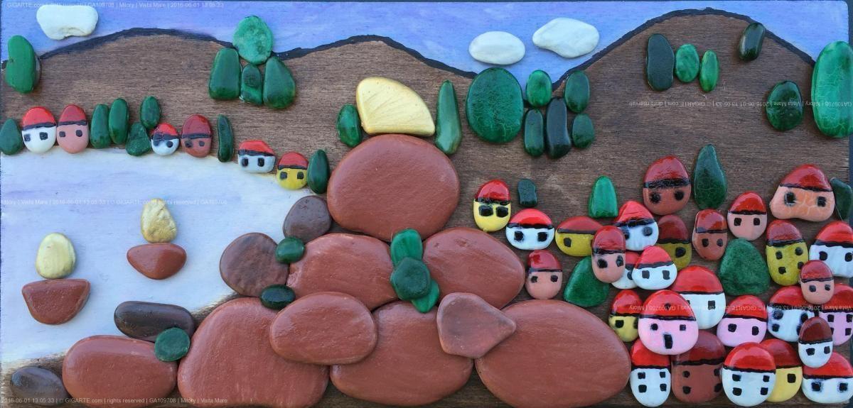 Paesaggio realizzato con sassi di mare dipinti a mano, su supporto di legno. Pezzo Unico. Si realizzano lavori su commissione. - Nel sito artistico...