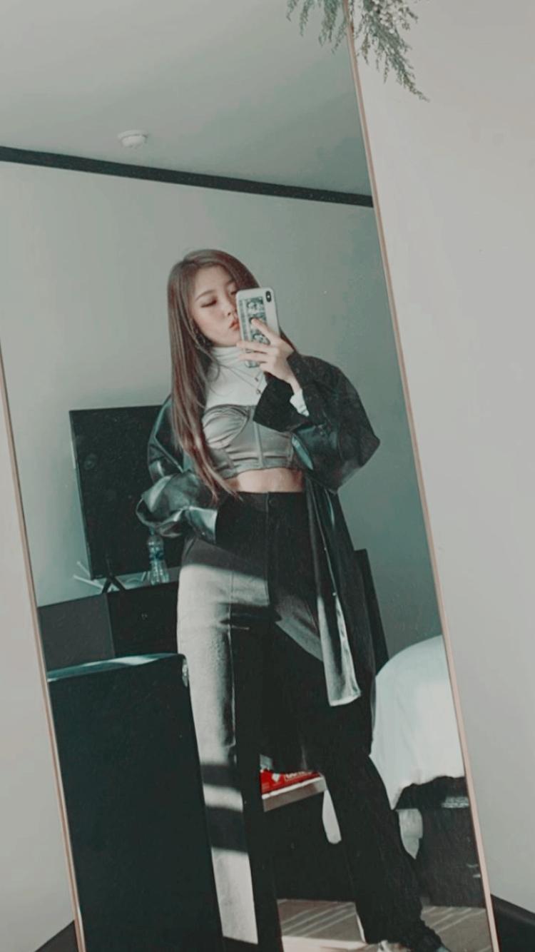 繼꤬꣦𝆃now unitedヾ — 🇰🇷Heyoon Jeong lockscreens like or