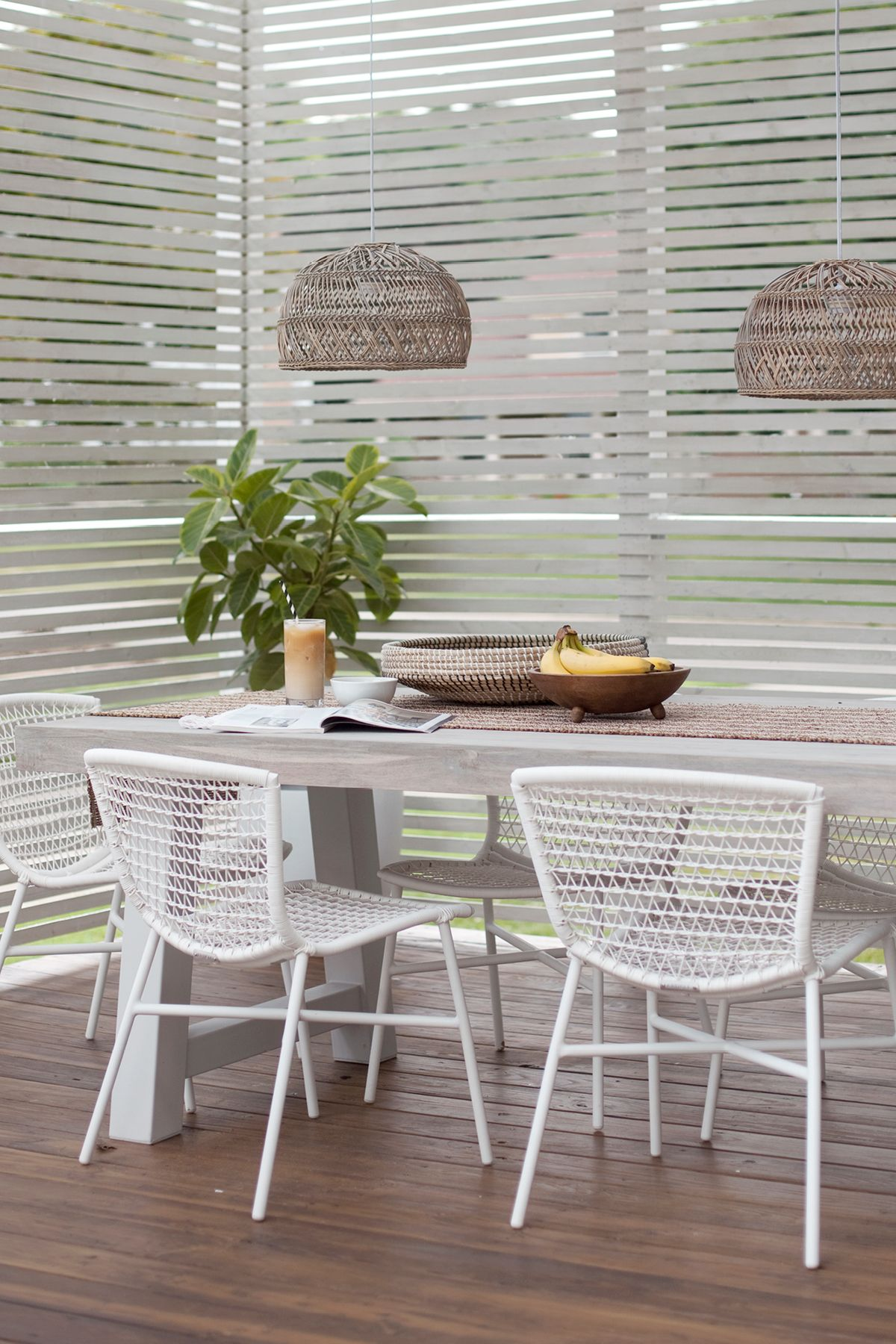 Sala White Outdoor Dining Chair White Dining Chairs Indoor Outdoor Furniture Dining Chairs
