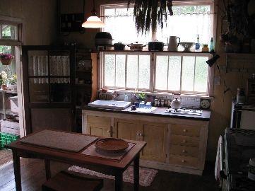 西の魔女が死んだ おばあちゃんの台所 ホームインテリアデザイン インテリアデザイン 模様替え
