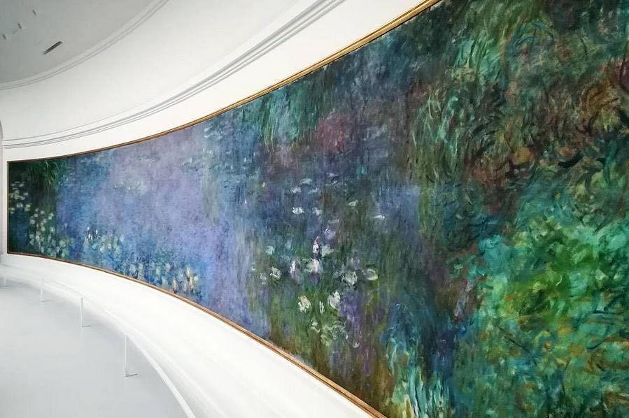 "Claude Monet, ""Les Nymphéas : Matin"" / ""The Water Lilies: Morning""  (~1915-1926) Merci @fr.martins pour cette jolie vue ! #Mon… 