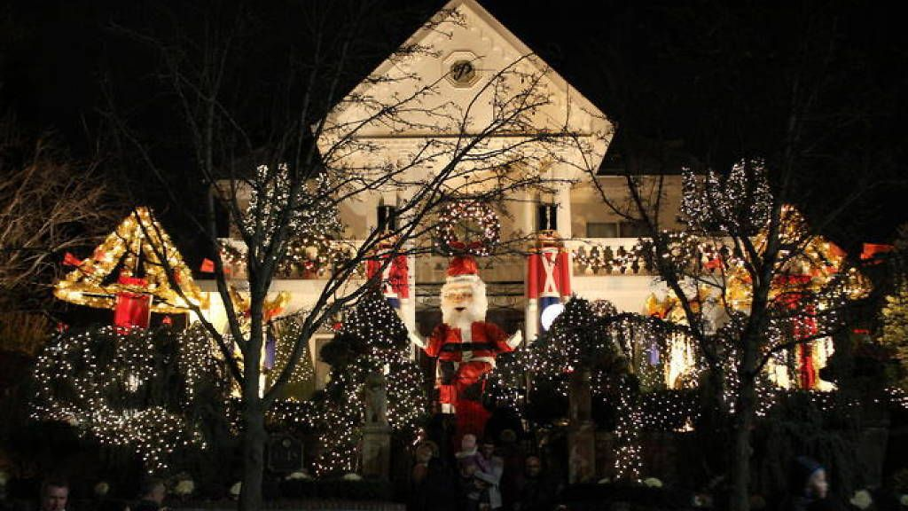 Dyker Heights Holiday Lights Christmas light tour, New