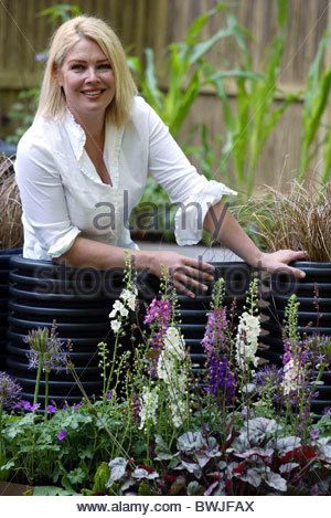 kim wilde at the recycled garden by wrap at the chelsea flower show stock photo - Wilde Garden
