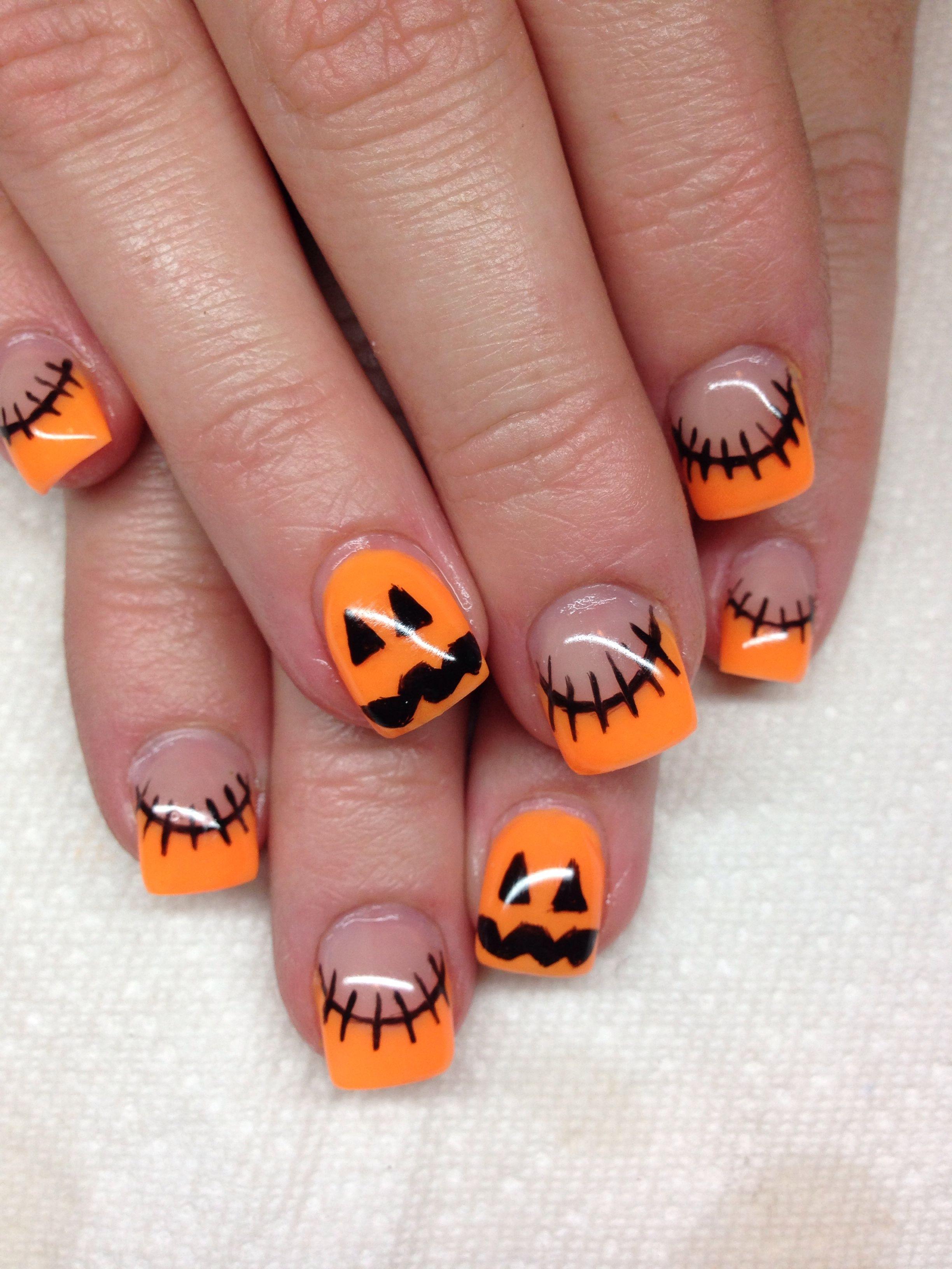 Gel Nails With Hand Drawn Design Using Gel By Melissa Fox Cute Halloween Nails Halloween Acrylic Nails Halloween Nail Designs