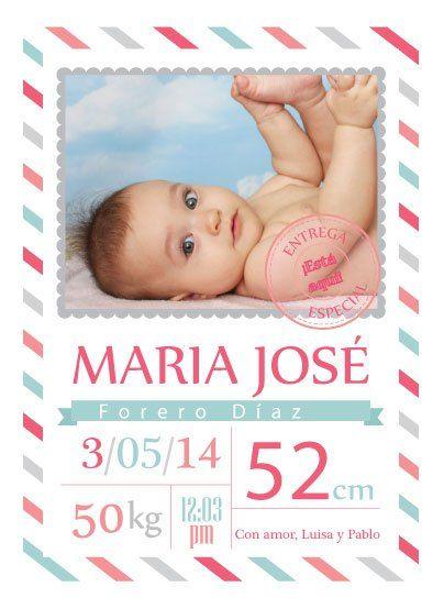 Anuncia la llegada de la nueva bebita con esta linda tarjeta para entregar a familia y amigos. Una linda forma de recordar este momento tan especial y contarle a todos la buena nueva.