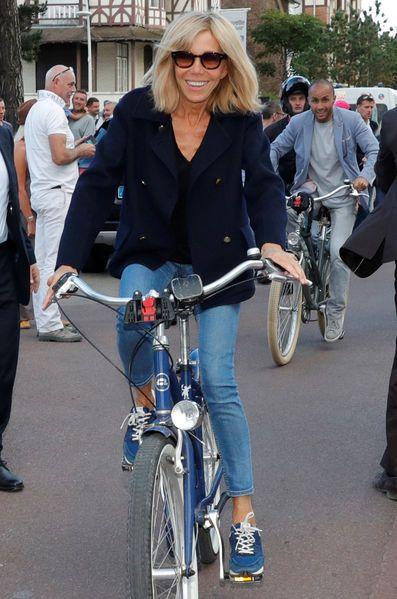 Bain de foule et balade à vélo au Touquet pour Emmanuel et