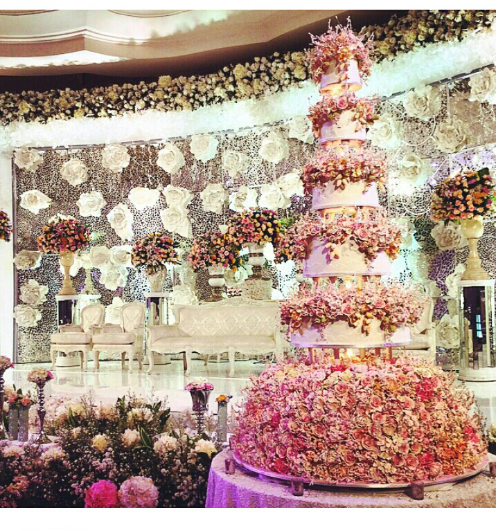30 grand opulent royal wedding inspired wedding cake by le novelle nigerian wedding grand royal wedding inspired wedding cake junglespirit Images