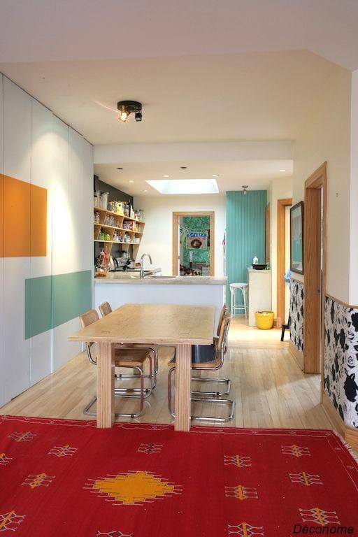 Visite d\u0027un appartement bohème et coloré Plancher bois franc