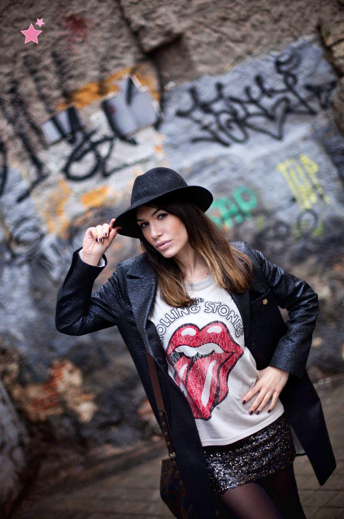 like a rolling stone ♬  http://www.bloglovin.com/blog/2955086/barbara-crespo
