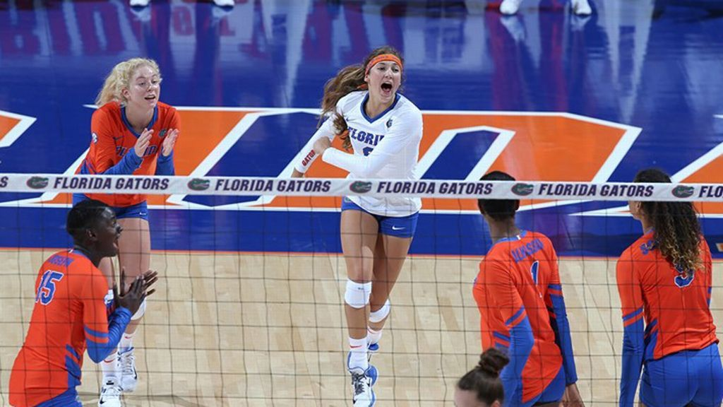 No 12 Gators Upset No 1 Longhorns Volleyball Team Volleyball News Southeastern Conference