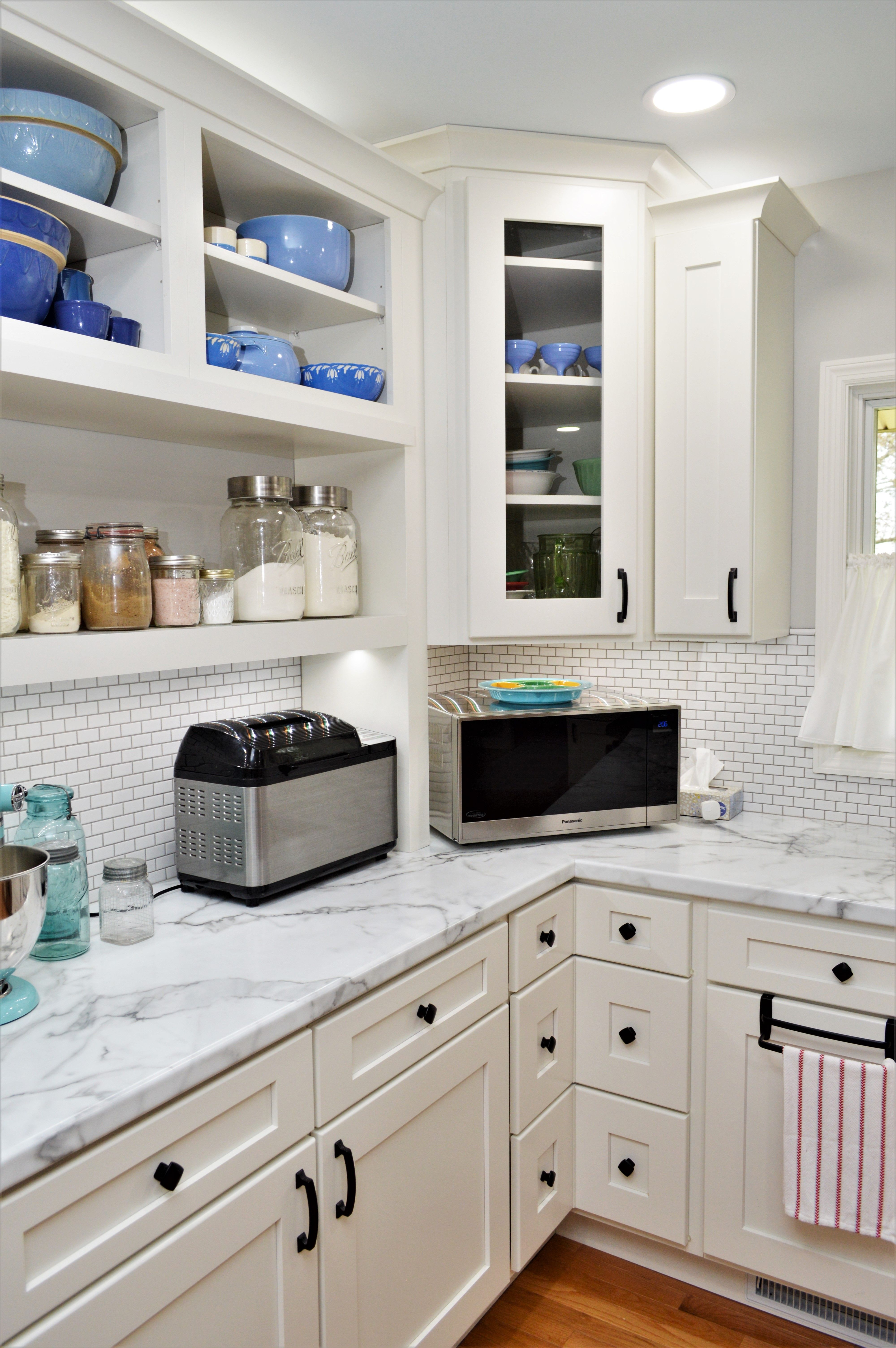 Calacatta Marble Color Kitchen Remodel House Exterior Kitchens Bathrooms