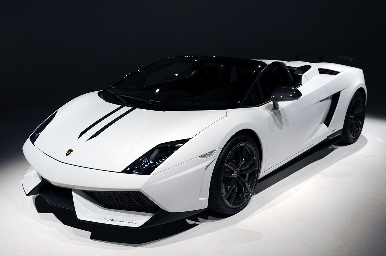 Lambergene White And Black Color Lamborghini Gallardo Spyder Base Car Overview Lamborghini Gallardo Lamborghini Supercar Lamborghini
