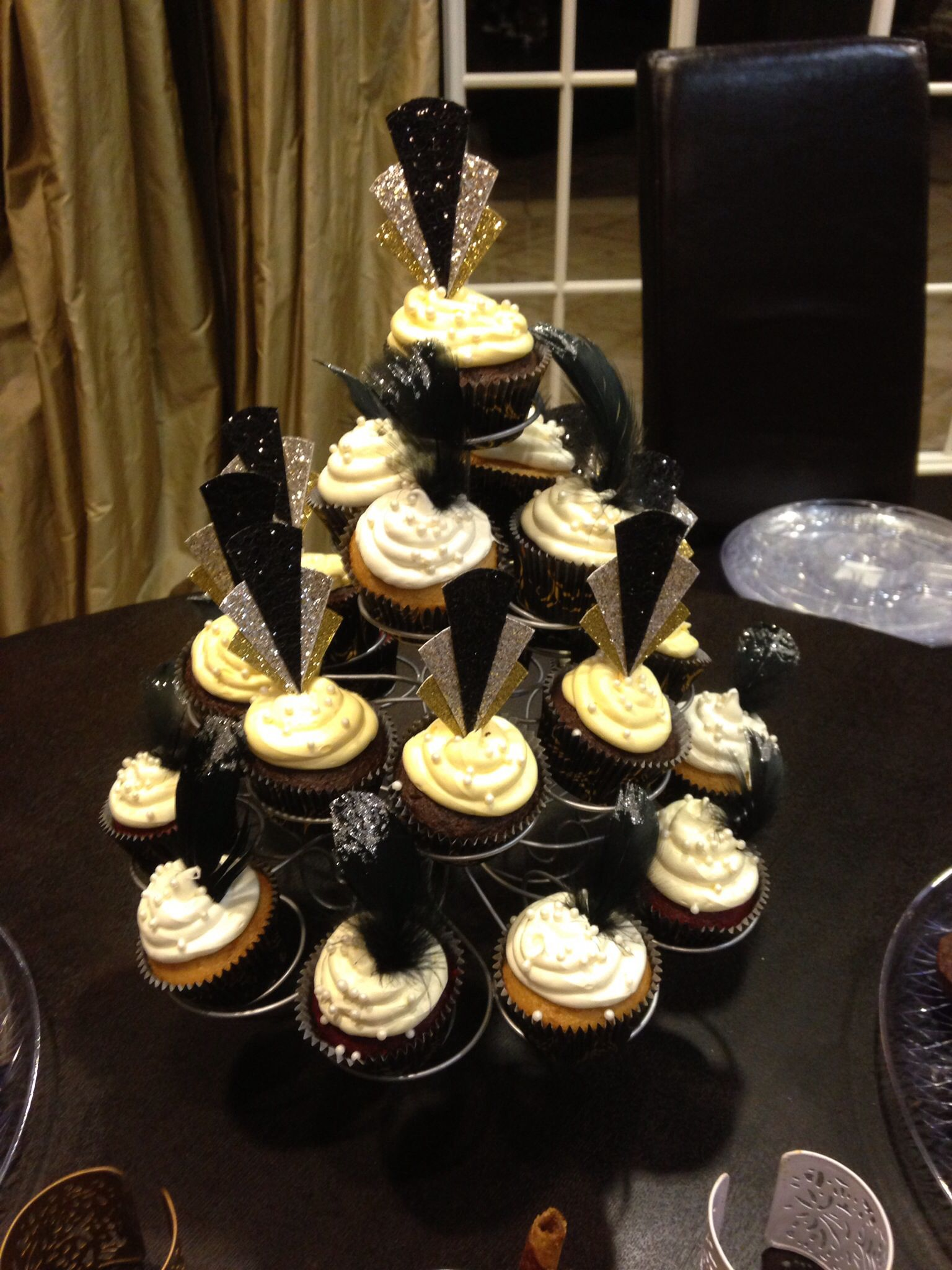 1920\'s cupcakes I made for a Great Gatsby party! | My cupcake ...