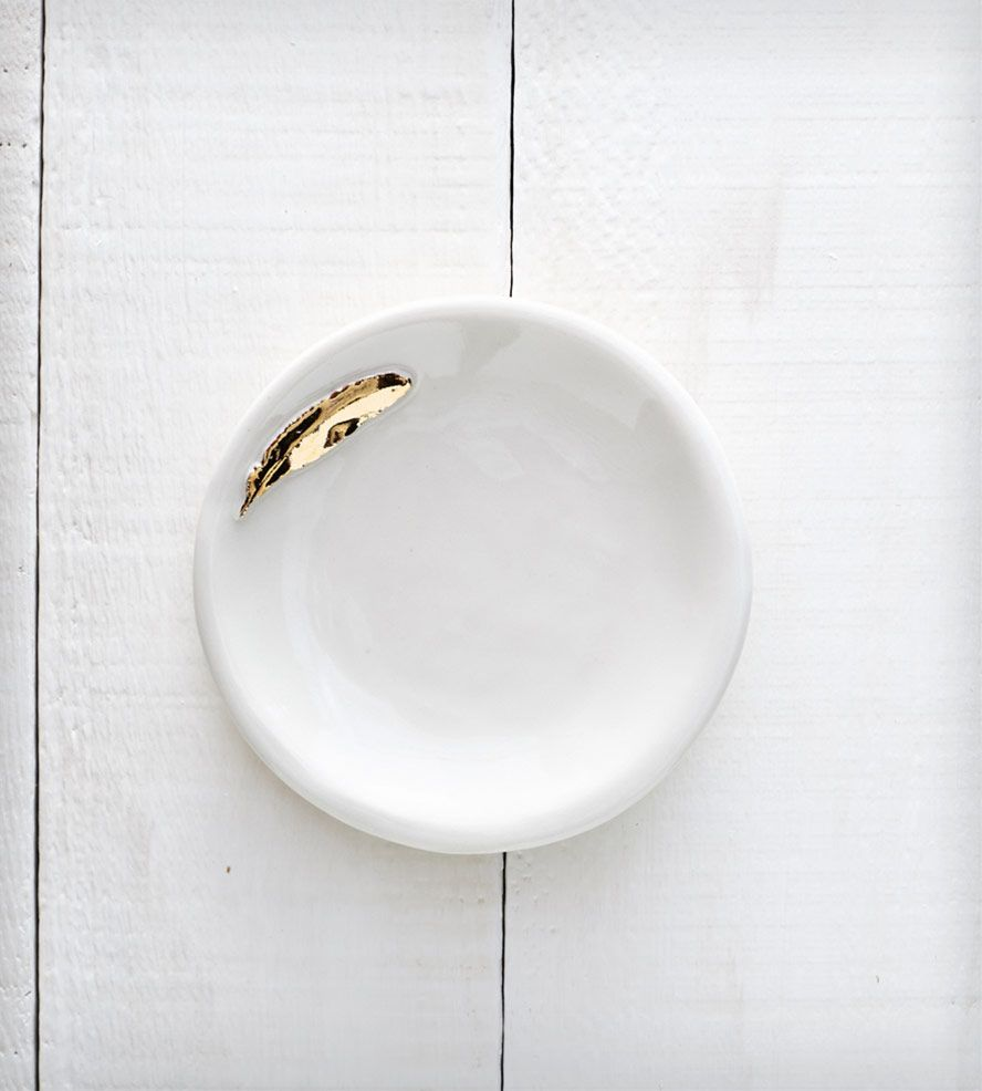 Porcelain Ring Bowl with Gold Feather