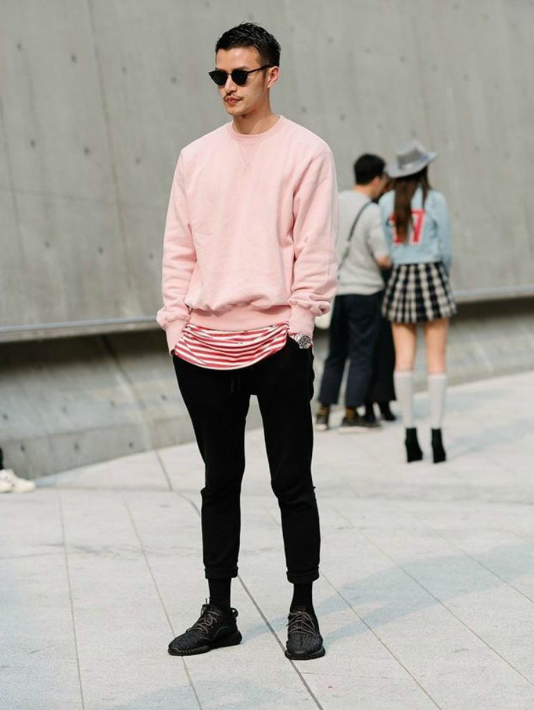 49d9e1aa1bc2 pink jumper mens street style how to wear pink for men