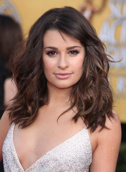 How To Style Your Hair To Flatter Your Face Shape Square Face Hairstyles Haircut For Square Face Thick Hair Styles