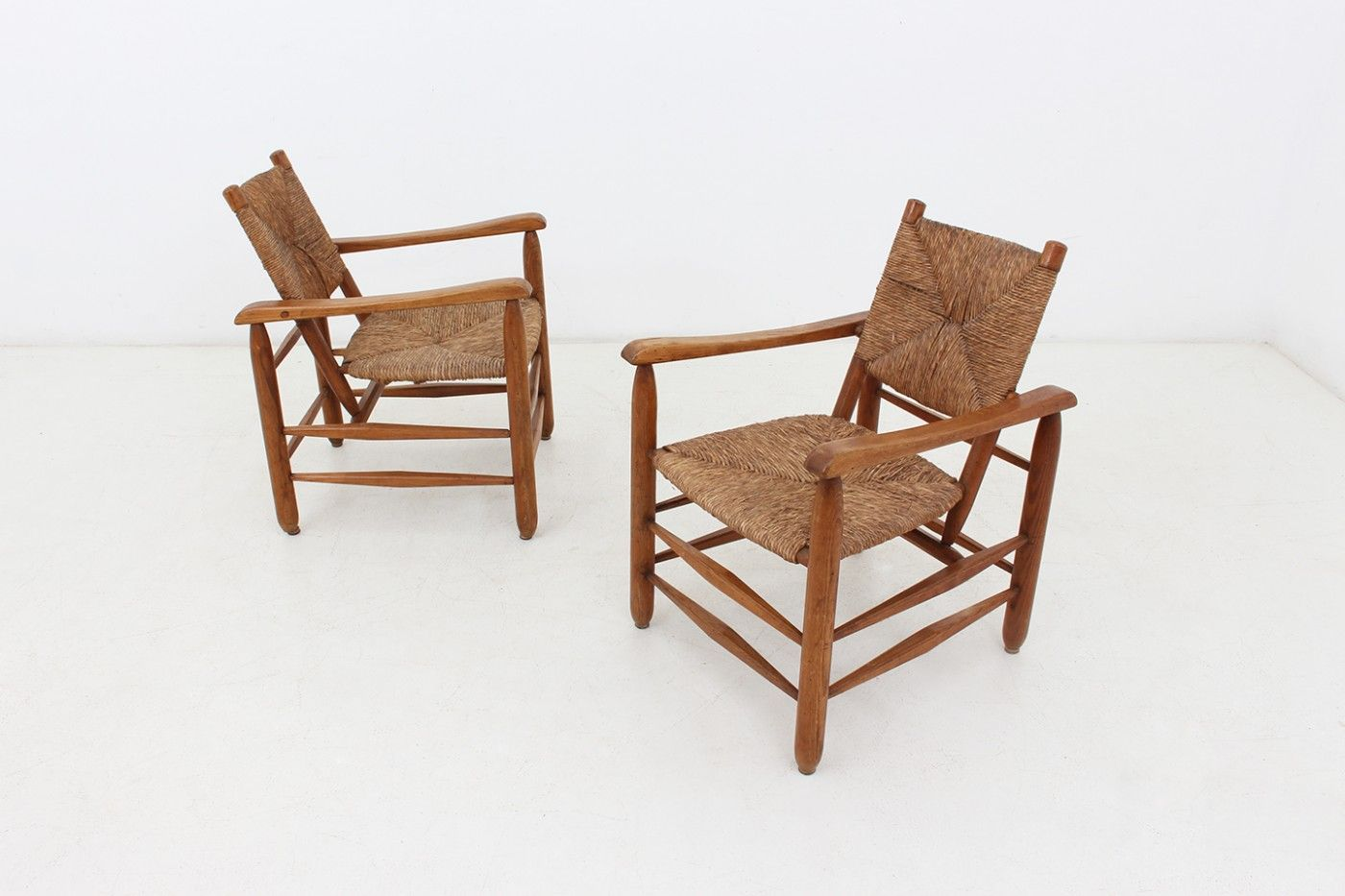 Peachy Pair Of Lounge Chairs Dimoregallery Furniture In 2019 Uwap Interior Chair Design Uwaporg