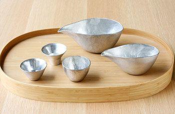 さびない・朽ちない金属として、お祝いの贈答用としても使われることの多い錫。お酒にも錫の匂いが移ることはありません。