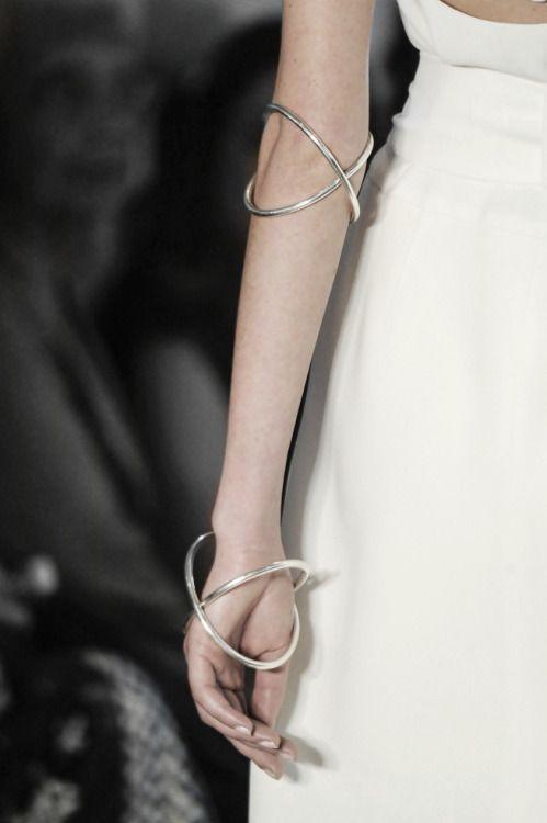 Double Bangles - statement jewellery, runway fashion details // Giuliana Romanno S/S 2016