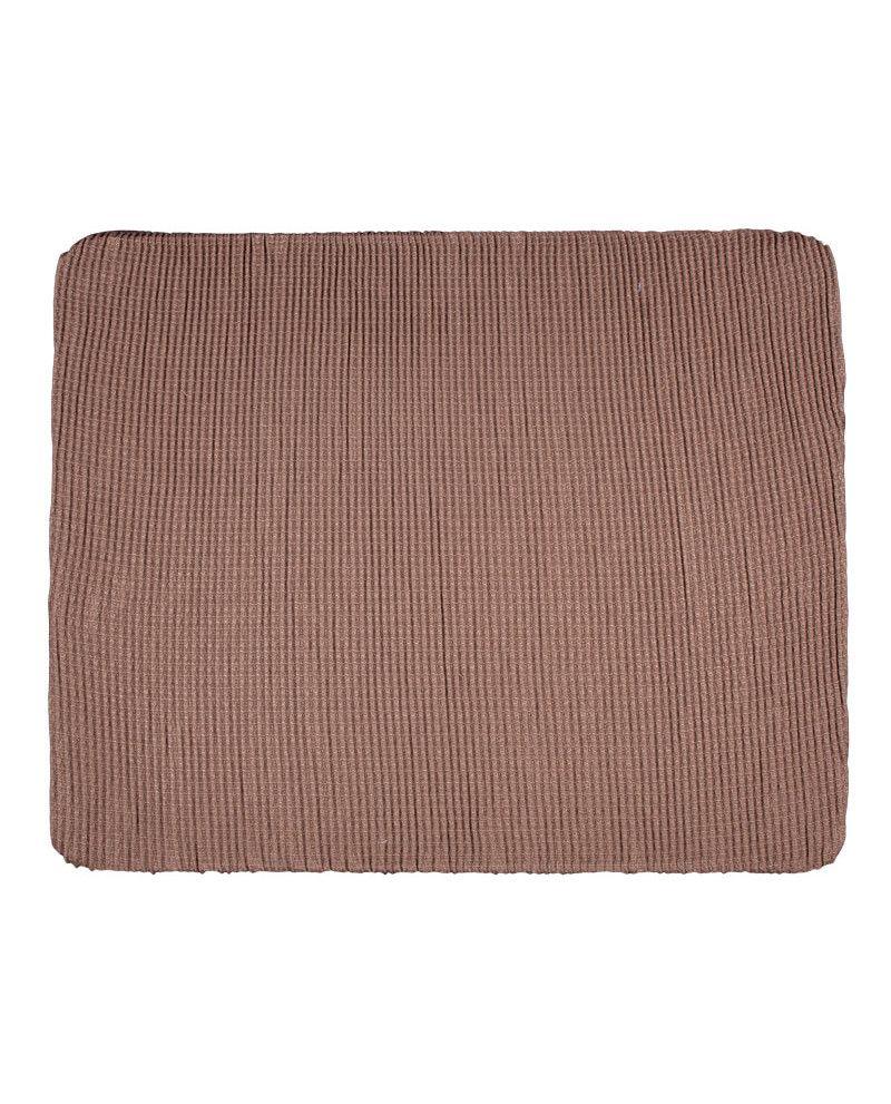 Funda de sofá Lucía en tono marrón claro están compuestas por una sola pieza de tejido elástico que cubre el sofá por completo. Amplia gama de colores y tejidos