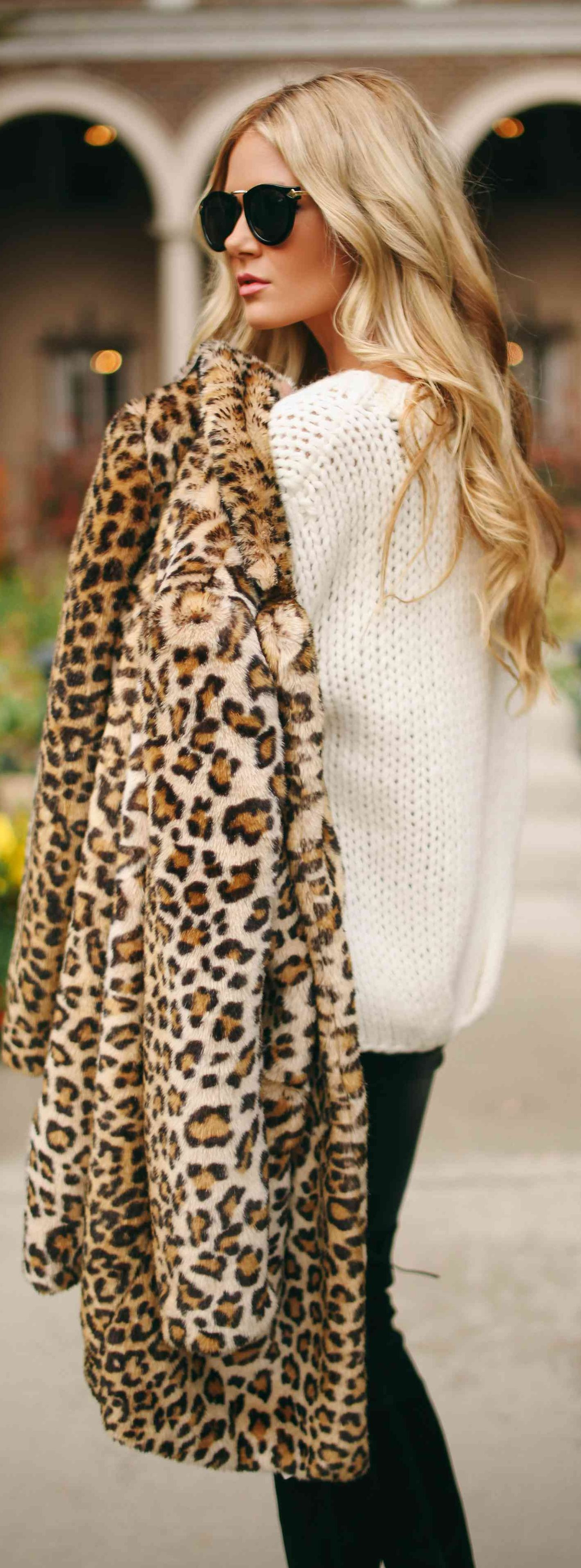 Street Style Sweater And Leopard Prints Fur Coat