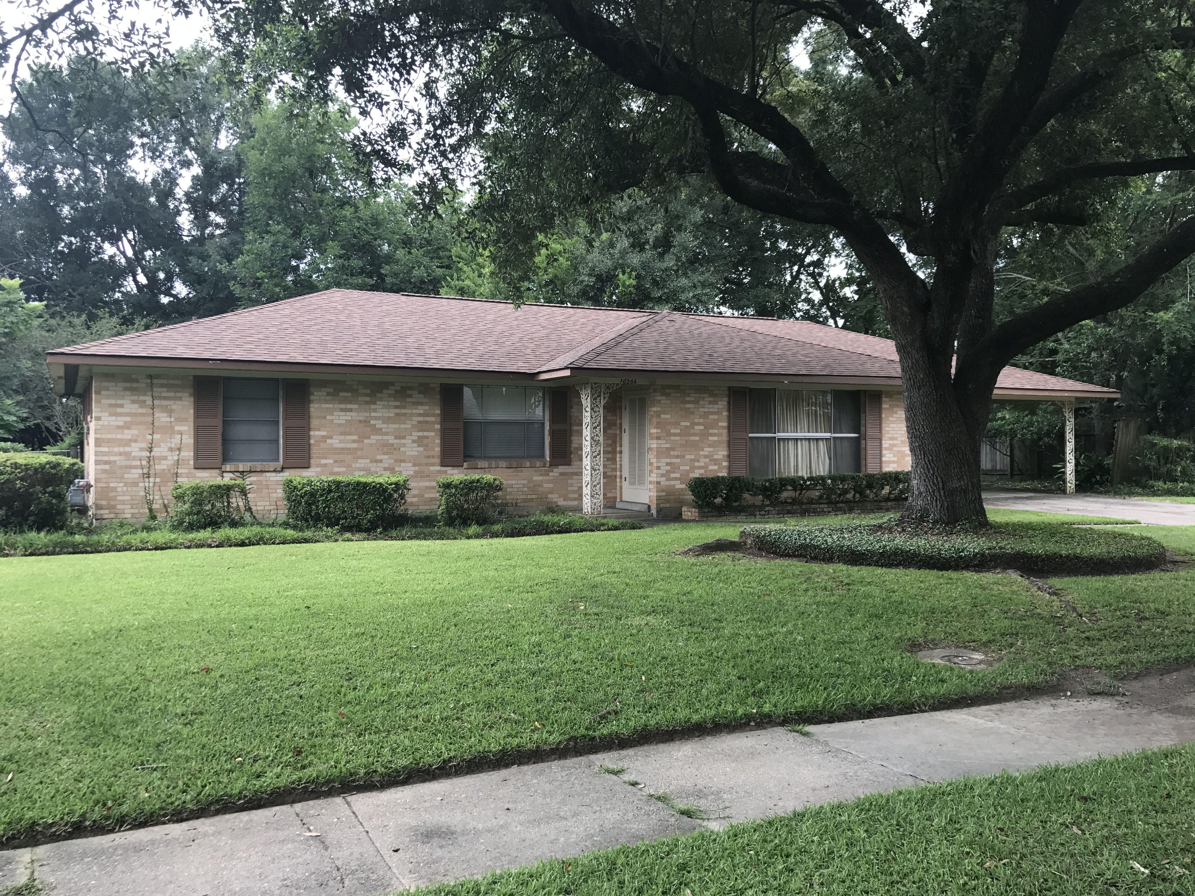 Aged Cedar Owens Corning Oakridge Shingles In Baton Rouge, LA | Roof  Crafters, LLC