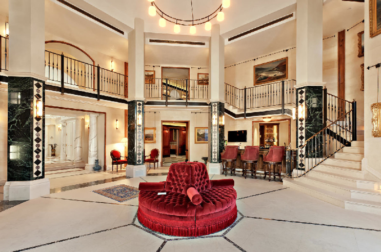 2 million dollar mansions great room with voluminous ceilings is perfect for entertaining - Inside Luxury Mansions
